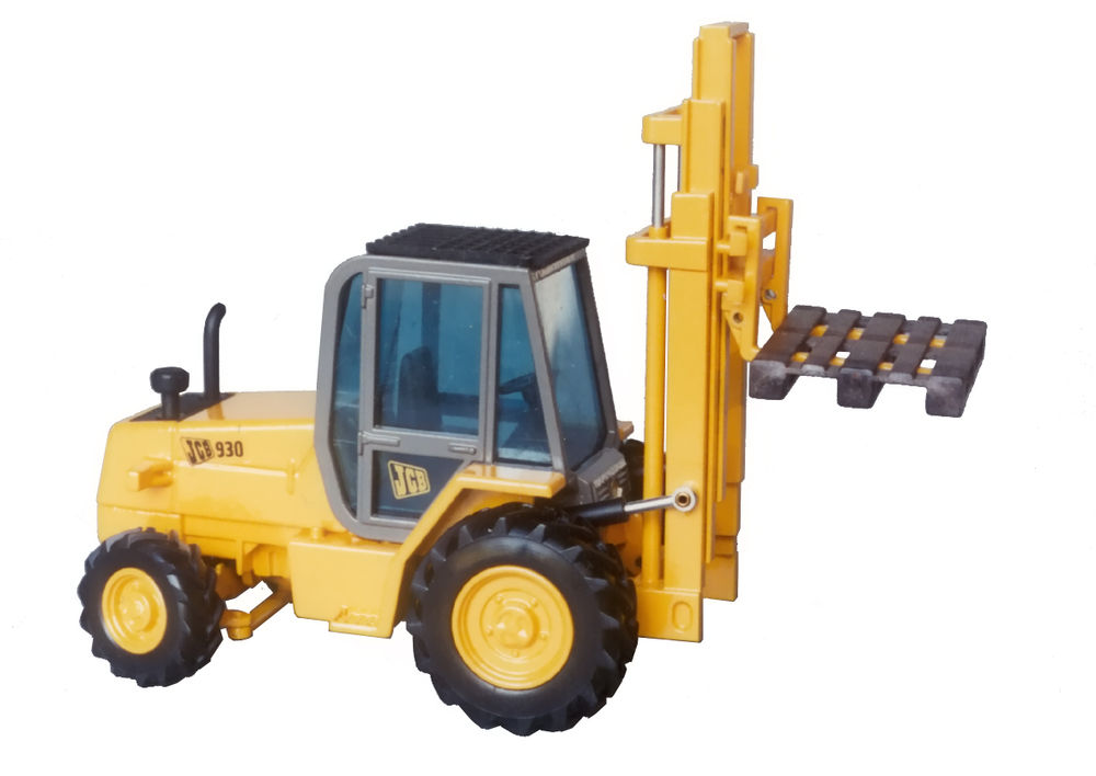 930 ROUGH TERRAIN FORKLIFT scale model by Collector Models