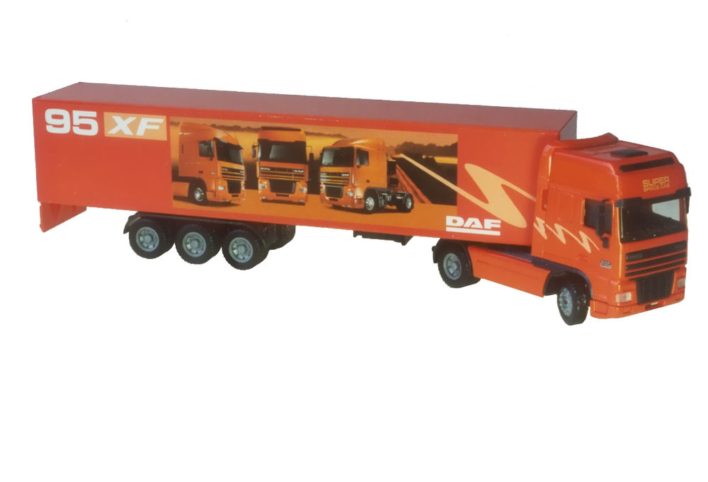 95XF PANTECH SEMI TRUCK scale model by Collector Models