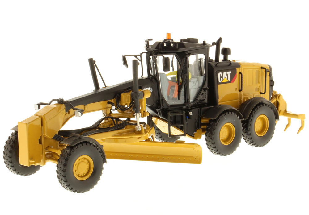 CATERPILLAR 12M3 ROAD GRADER scale model by Collector Models