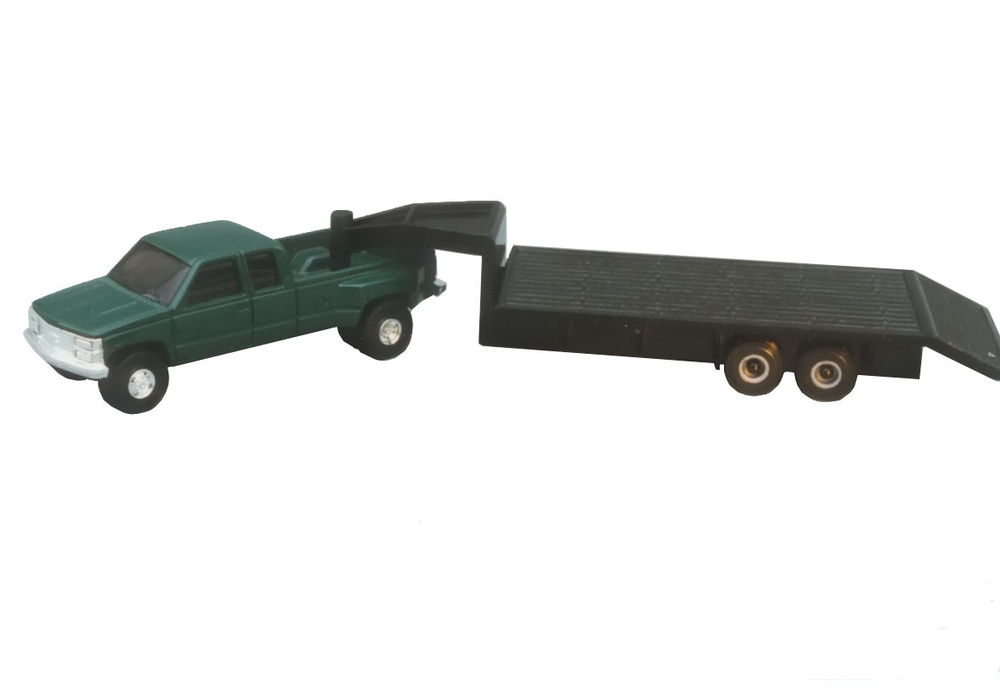 DUALLY PICKUP with FLAT TRAILER scale model by Collector Models