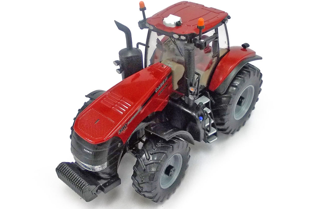 MAGNUM 380 TRACTOR scale model by Collector Models