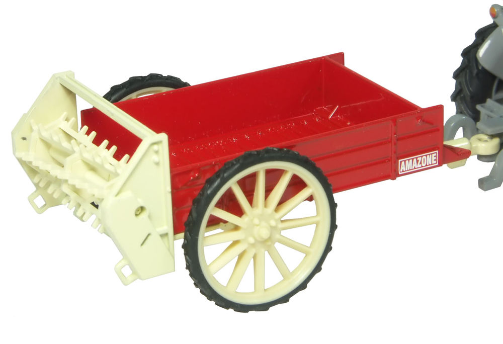 MANURE SPREADER scale model by Collector Models