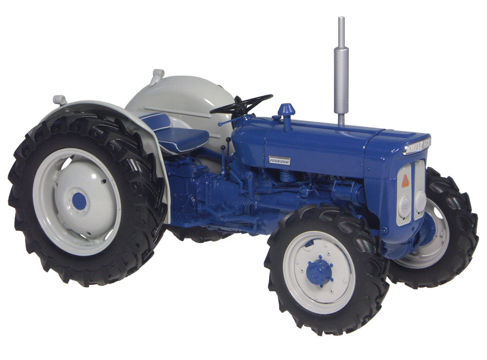 SUPER DEXTA ROADLESS FWA TRACTOR scale model by Collector Models