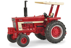 IH 1066 TRACTOR