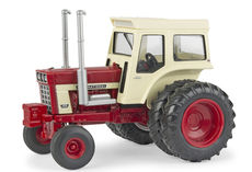 IH 1468 V8 TRACTOR with DUALS