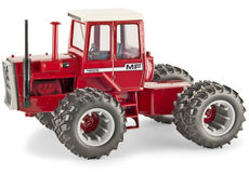 MASSEY FERGUSON 1805 4WD TRACTOR with DUALS