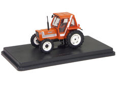 FIAT 880 TRACTOR with CAB   very detailed
