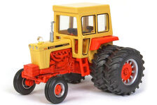CASE 1030 TRACTOR with CAB and Rear Duals   High Detail model