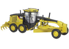 CATERPILLAR 140M ROAD GRADER