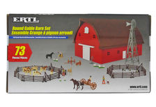 ERTL GABLE BARN SET - 73 Pieces