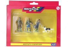 BRITAINS FARM FAMILY FIGURES (set/4)