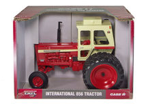 IH 856 TRACTOR with CAB & Rear Duals