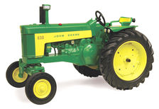 JOHN DEERE 630 TRACTOR with WIDE FRONT AXLE   Prestige Series (faded box)