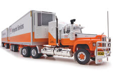 MACK VALUELINER V8 ROAD TRAIN with TWO REFER TRAILERS  TNT livery