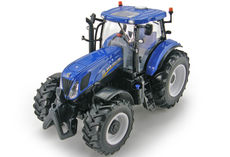 NEW HOLLAND T7.220 TRACTOR with Frt & Rr linkage