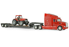 PETERBILT 579 LOW LOADER SEMI with CASE IH MAGNUM TRACTOR (mainly plastic)